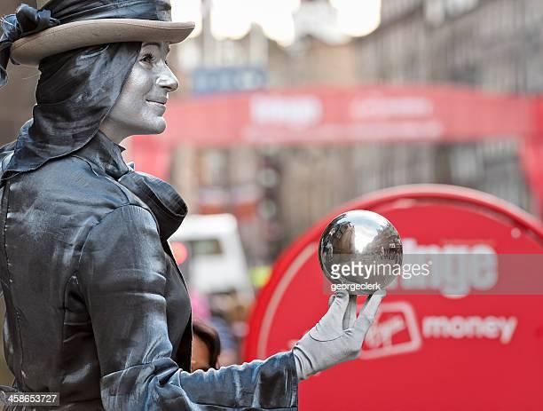 festival street performer on edinburgh's royal mile - edinburgh fringe stock photos and pictures