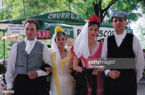 Festive ambient in Las Vistillas Madrid Couples of Chulapos