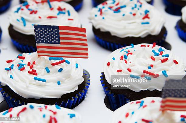 Festive cupcakes decorated with a USA theme