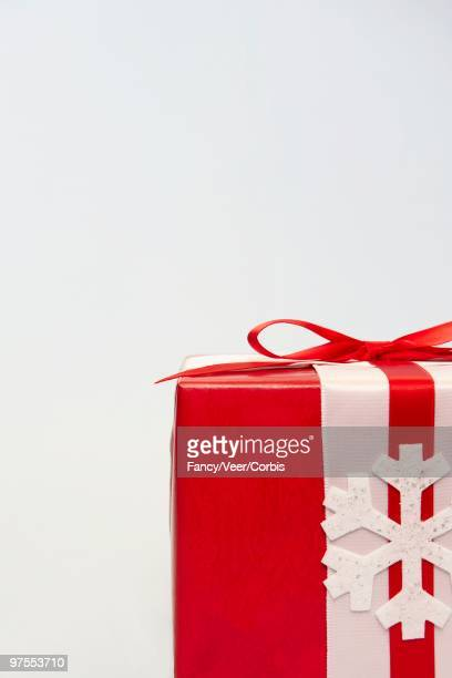 festive gift - climat stock pictures, royalty-free photos & images