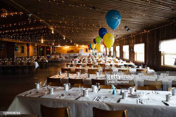 festive table setting reception hall - banquet hall stock pictures, royalty-free photos & images
