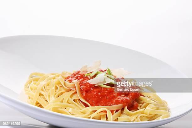 Fettuccini pasta with tomato sauce