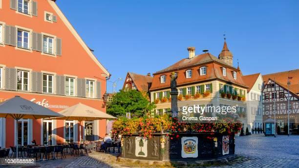 フォイヒトヴァンゲン、マルクトプラッツ & röhrenbrunnen (ババリア、ドイツ) - 九月 ストックフォトと画像