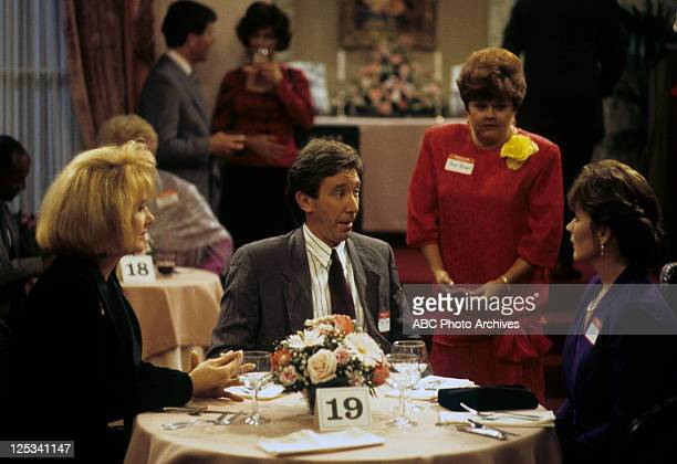 "Feud for Thought"" - Airdate: December 1, 1993. LEE GARLINGTON;TIM ALLEN;BONNIE HELLMAN;PATRICIA RICHARDSON"