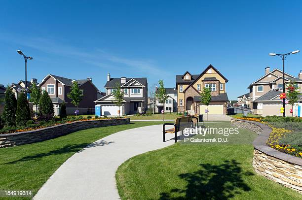few brand new suburban houses. - borough district type stock pictures, royalty-free photos & images