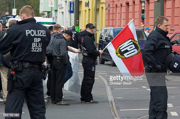 CONTENT] A few thousand people try to block a demonstration of the neonazi party NPD at the 1st of May 2013 in Berlin The police brought the 300...