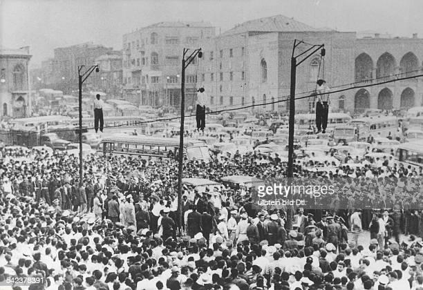 Öffentliche Hinrichtung von drei Mördern in Teheran Iran 1959
