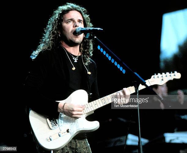 Fher Olvera of Mana performing at Shoreline Amphitheater in Mountain View Calif on August 15th 1999 Image By Tim Mosenfelder/ImageDirect