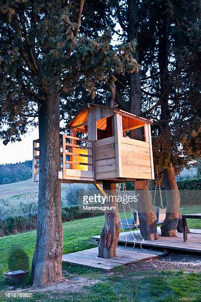 fiano, treehouse for kids - tree house stock pictures, royalty-free photos & images