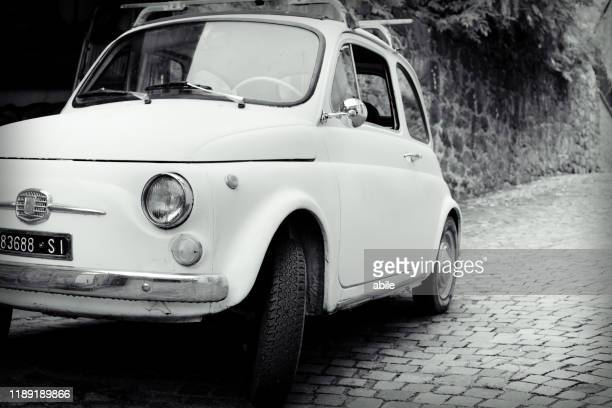 fiat 500 in tuscany - arte stock pictures, royalty-free photos & images