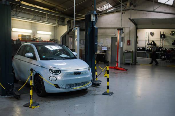 FRA: Automobile Showrooms Ahead of Stellantis NV Earnings