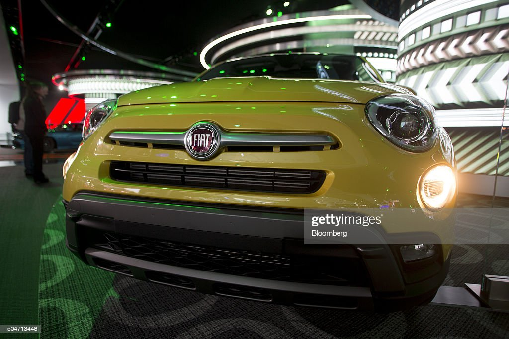 A Fiat Chrysler Automobiles NV 2016 Fiat 500X vehicle sits on display during the 2016 North American International Auto Show (NAIAS) in Detroit, Michigan, U.S., on Tuesday, Jan. 12, 2016. Last year's auto show featured 55 vehicle introductions, a majority of which were worldwide debuts, and was attended by over 5,000 journalists from 60 countries. Photographer: Andrew Harrer/Bloomberg via Getty Images