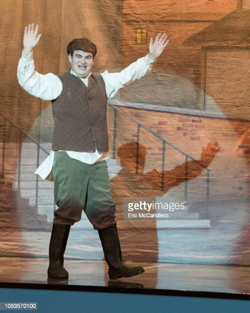 THE GOLDBERGS Fiddler Murray becomes an overzealous stage parent when he learns Adam has no interest in the school production of Fiddler on the Roof...
