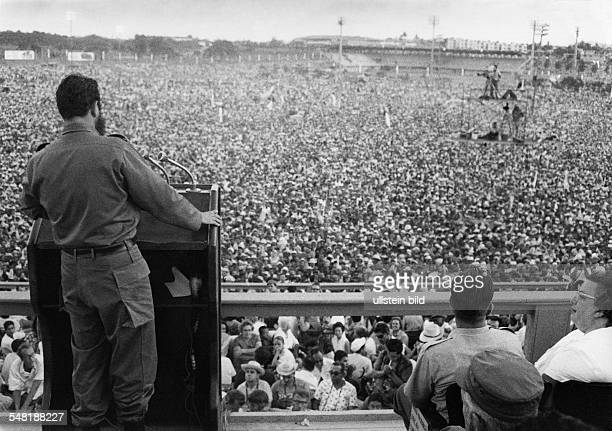 Fidel Castro Revolutionary Politician Cuba * adressing in Santiago 1960