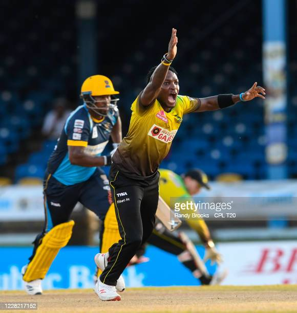 Fidel Edwards of Jamaica Tallawahs appeal for lbw against Johnson Charles of Barbados Tridents during the Hero Caribbean Premier League match 14...