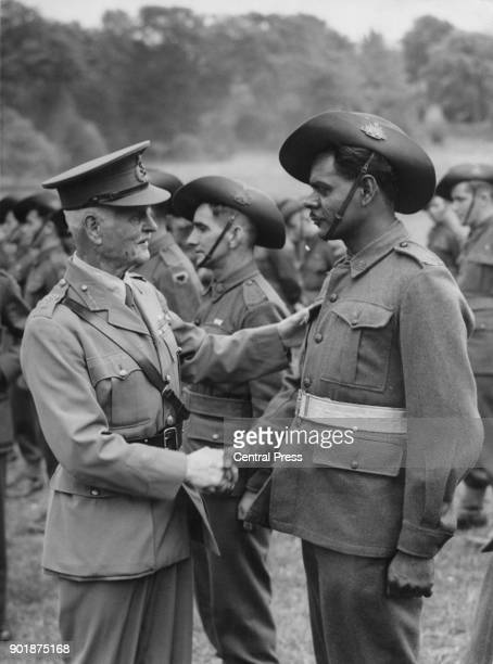 Field Marshal Lord Birdwood of the British Army chats with Private H R Davis of Perth Australia whilst visiting Australian former prisonersofwar...