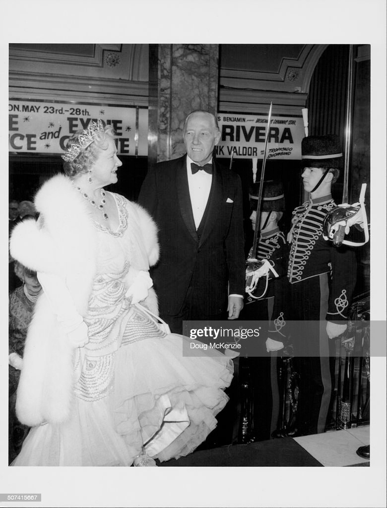 Sir Geoffrey Baker And The Queen Mother : News Photo