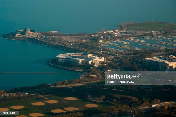 field museum, shedd aquarium, adler planetarium and grant park, chicago - the field museum chicago stock pictures, royalty-free photos & images