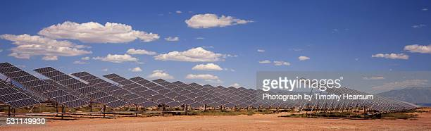 field of solar panels - timothy hearsum stock pictures, royalty-free photos & images