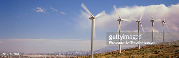 field of wind generators - timothy hearsum stock pictures, royalty-free photos & images