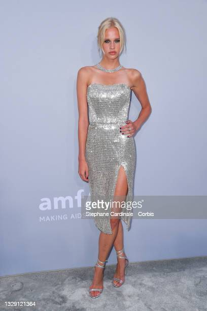 Fien Kloos attends the amfAR Cannes Gala 2021 during the 74th Annual Cannes Film Festival at Villa Eilenroc on July 16, 2021 in Cap d'Antibes, France.