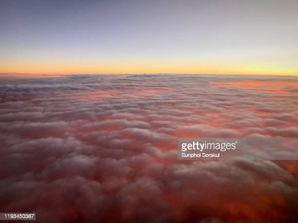 fiery cloud phenomenon - light natural phenomenon stock pictures, royalty-free photos & images