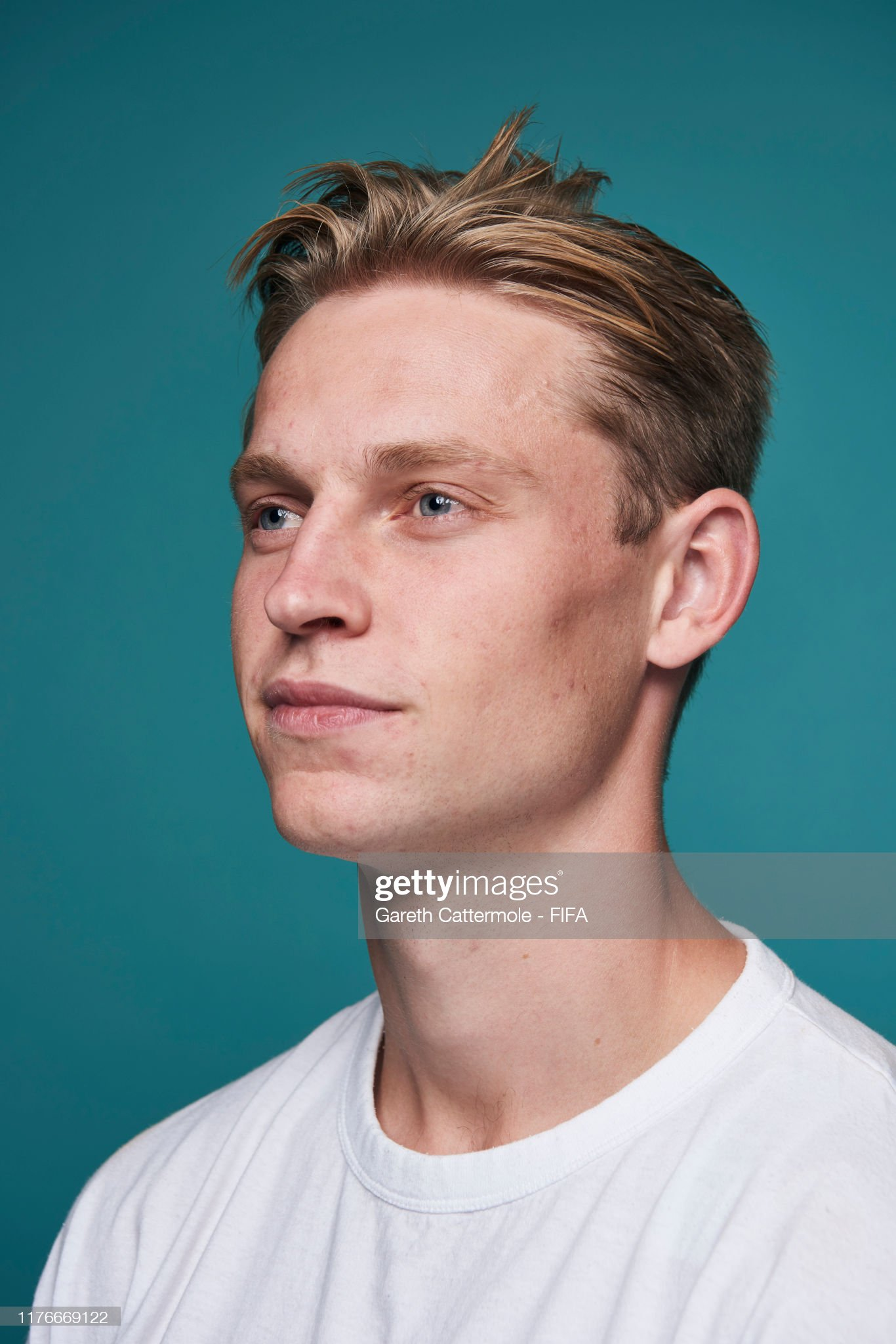 The Best FIFA Football Awards 2019 Fifpro-mens-world11-award-frenkie-de-jong-of-fc-barcelona-and-poses-picture-id1176669122?s=2048x2048