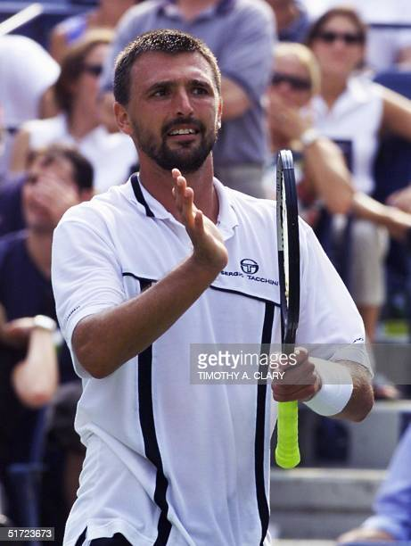 Fifteenthseed Goran Ivanisevic of Croatia acknowledges the applause after his second round victory over Justin Gimelstob of the US at the US Open in...