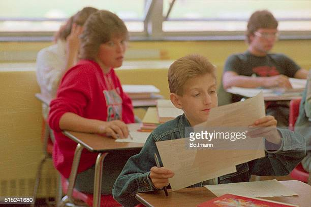 Fifteenyearold Ryan White who suffers from AIDS looks over test being handed out his freshman math class at Hamilton Heights High School 8/31 White...