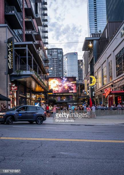 fifth and broadway retail area in nashville - brycia james stock pictures, royalty-free photos & images