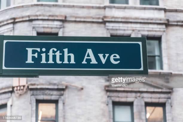 fifth ave sign, manhattan, new york city, usa - 五番街 ストックフォトと画像