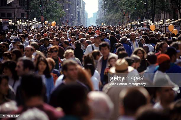 Fifth Avenue crowd