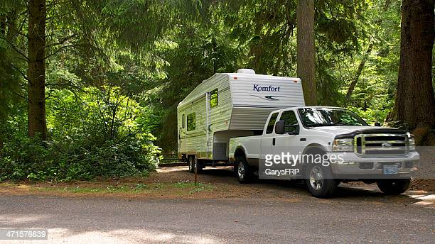 Fifth Wheel Rv Leaving Campsite Beverly Beach State Park Oregon