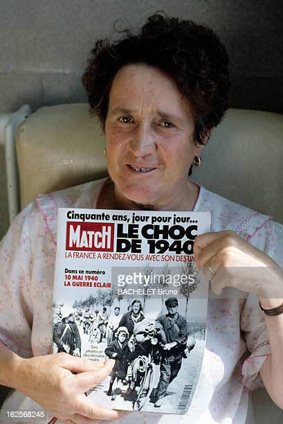 Fifty Years After The Exodus In Brother And In Sister Recognize Themselves On In Picture Published In Match France 19 Mai 1990 Cinquante après...
