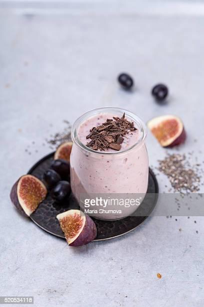 Fig yogurt with chia seeds