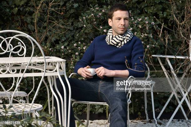 Figaro ID: 106153-007. Singer/songwriter Alex Beaupain for Madame Figaro on February 19, 2013 in Paris, France. Sweater , jeans , scarf . CREDIT MUST...