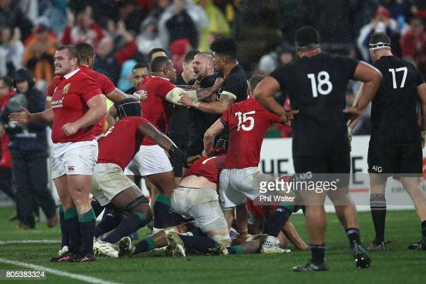 A fight between TJ Perenara of the All Blacks and Kyle Sinckler breaks out on full time during the International Test match between the New Zealand...