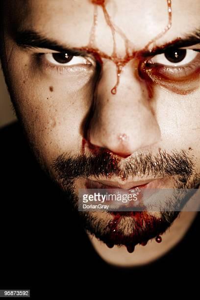 lucha - hombre golpeado fotografías e imágenes de stock