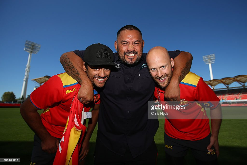 Gold Coast Suns Meet With Mark Hunt