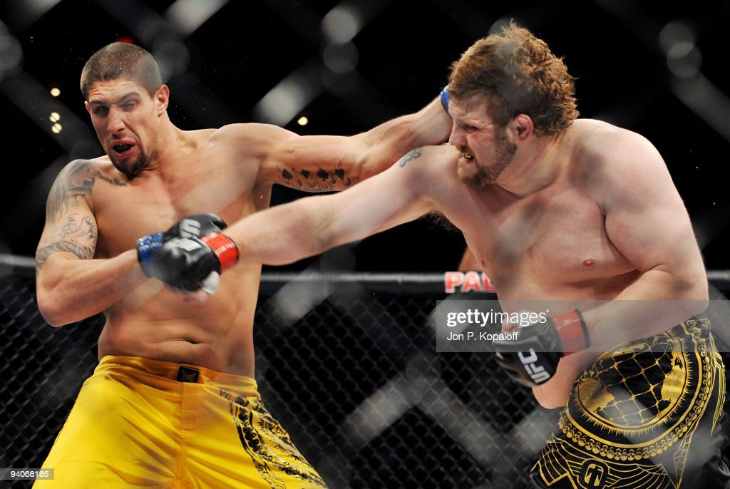 UFC fighter Brendan Schaub (L) battles UFC fighter Roy Nelson (R) during their Heavyweight Finale fight at The Ultimate Fighter Season 10 Finale on December 5, 2009 in Las Vegas, Nevada.