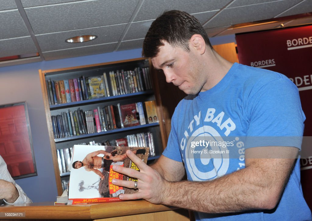 Forrest Griffin Book Signing : News Photo