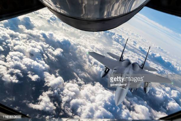 fighter jet mid-air refueling - us air force stock pictures, royalty-free photos & images