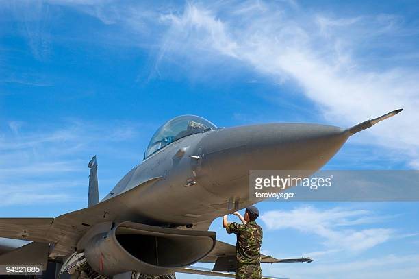 fighter plane and technician - military airplane stock pictures, royalty-free photos & images