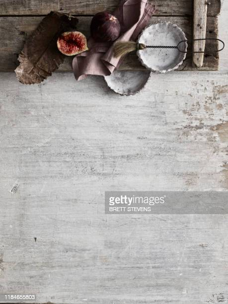 figs and tartlet tins - whitewashed stock pictures, royalty-free photos & images