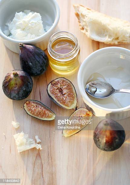 Figs, honey and goat cheese