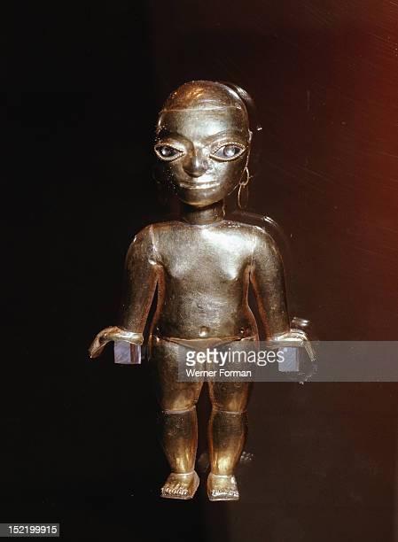 Figure of a woman, Peru. Lambayeque. 15 16th century, AD. North coast of Peru.