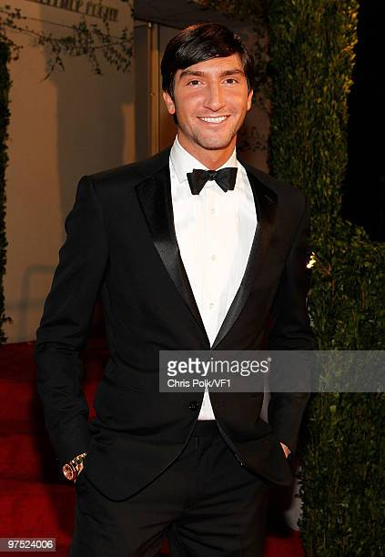 Figure skater Evan Lysacek attends the 2010 Vanity Fair Oscar Party hosted by Graydon Carter at the Sunset Tower Hotel on March 7, 2010 in West...