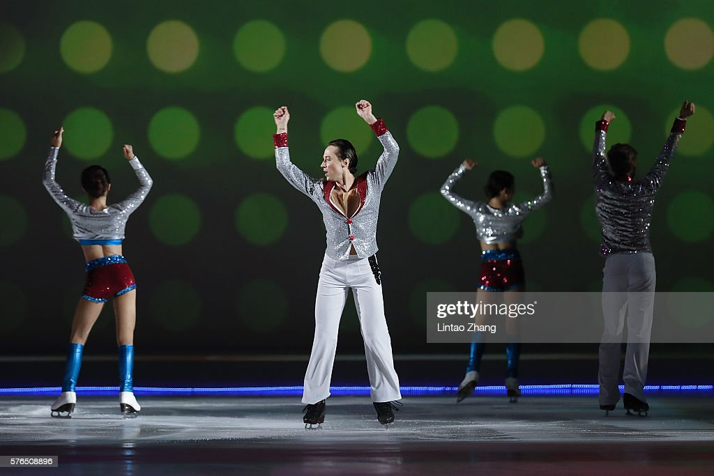 Figure Skater Johnny Weir performs during the 2016 'Amazing on Ice' at Capital Indoor Stadium on July 15, 2016 in Beijing, China.