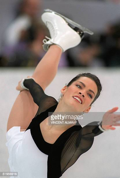 Figure skater Nancy Kerrigan of the United States performs her technical program 23 February 1994 in Hamar near Lillehammer at the XVIIth Winter...