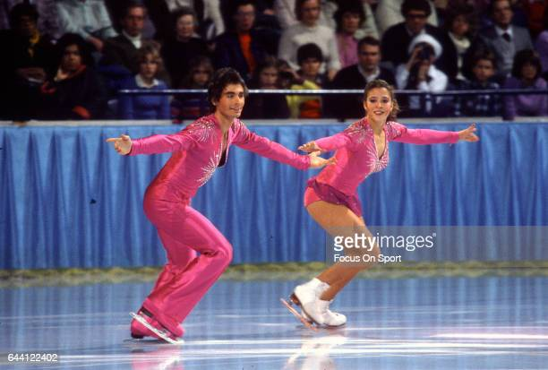 Figure Skaters Tai Babilonia and Randy Gardner of the United States competes in the pairs in a figure skating competition circa 1981